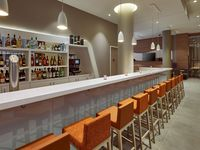 Hampton-by-hilton-berlin-city-centre-alexanderplatz-bar-spotlisting